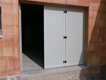 Construction Neuve Porte Garage Bois