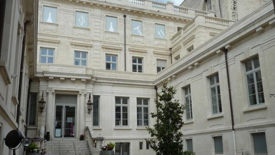 Menuiseries bois couleur garantie 10 ans Naboco à Avignon